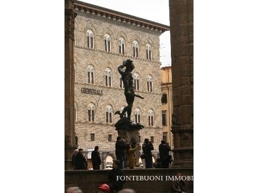 Negozio-locale in Affitto a Firenze: 3 locali, 40 mq