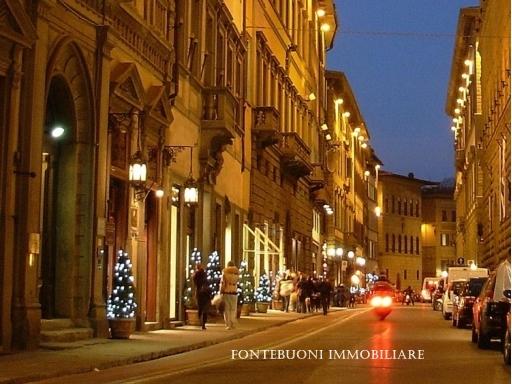 Negozio-locale in Vendita a Firenze: 3 locali, 80 mq