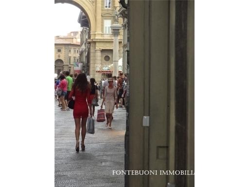 Fondo / Negozio / Ufficio in affitto a Firenze zona Piazza santa maria novella-piazza ognissanti - immagine 1
