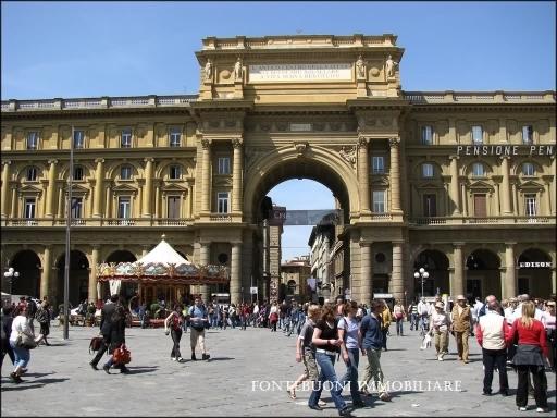 Fondo / Negozio / Ufficio in affitto a Firenze zona Piazza santa croce-sant'ambrogio - immagine 4