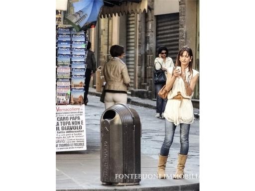 Fondo / Negozio / Ufficio in vendita a Firenze zona Piazza santa croce-sant'ambrogio - immagine 2
