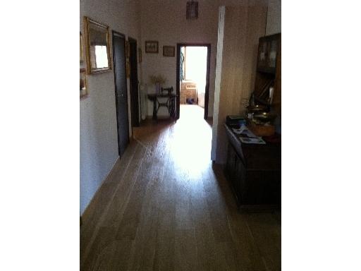 Appartamento in vendita a Capraia e Limite, 4 locali, zona Località: CAPRAIA FIORENTINA, prezzo € 310.000 | Cambio Casa.it