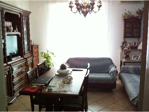 Appartamento in vendita a Lastra a Signa, 5 locali, zona Località: LASTRA A SIGNA, prezzo € 270.000 | Cambio Casa.it