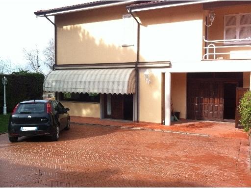 Villa Bifamiliare in Affitto a Montelupo Fiorentino