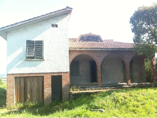 Villa in vendita a Montespertoli, 8 locali, zona Località: ORTIMINO, prezzo € 350.000 | Cambio Casa.it