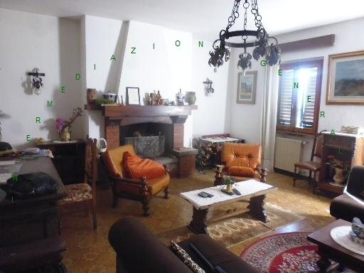 Appartamento in vendita a Dicomano, 7 locali, zona Località: DICOMANO, prezzo € 230.000 | PortaleAgenzieImmobiliari.it