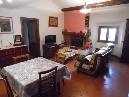 borgo san lorenzo, in tranquillo contesto signorile e vicino a tutti i servizi, appartamento composto da ingresso, soggiorno-pranzo, cucina, due camere oltre servizio, cantina e posto auto.
