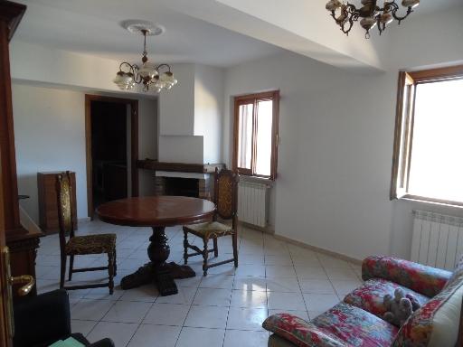 Appartamento in affitto a Borgo San Lorenzo, 3 locali, zona Località: RONTA, prezzo € 400   CambioCasa.it