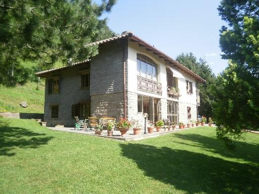 Villa in vendita a Firenzuola, 9 locali, zona Località: FIRENZUOLA, prezzo € 490.000 | CambioCasa.it