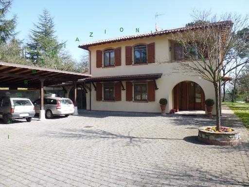 Villa in vendita a Barberino di Mugello, 8 locali, zona Località: BARBERINO DI MUGELLO, Trattative riservate   CambioCasa.it