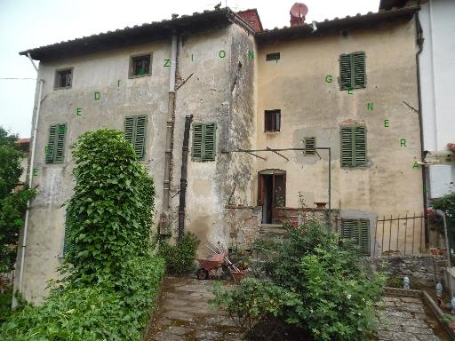 Villa a Schiera in vendita a Vicchio, 11 locali, zona Località: VICCHIO, prezzo € 180.000 | CambioCasa.it