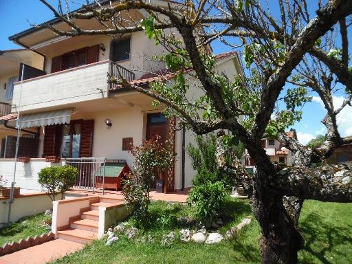 Villa a Schiera in vendita a Borgo San Lorenzo, 6 locali, zona Località: BORGO SAN LORENZO, prezzo € 278.000   CambioCasa.it