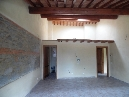 vicchio (santa maria a vezzano) bella posizione, in antico convento, caratteristico terratetto in pietra, soggiorno, cucina, due camere, doppi servizi. ottime rifiniture.