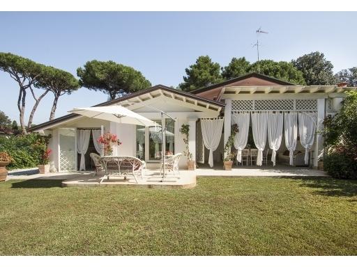 VILLA / VILETTA / TERRATETTO porzione di villa in  vendita a MARINA DI PIETRASANTA - PIETRASANTA (LU)