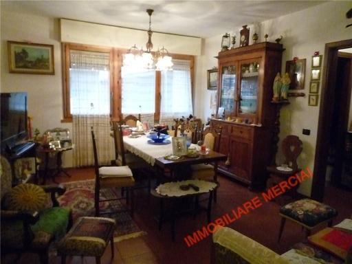 Appartamento in vendita a Greve in Chianti, 5 locali, zona Località: SAN POLO IN CHIANTI, prezzo € 200.000 | Cambio Casa.it