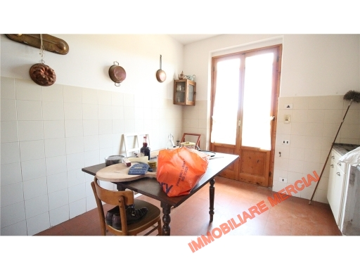 Appartamento in vendita a Greve in Chianti, 5 locali, zona Località: STRADA IN CHIANTI, prezzo € 198.000 | CambioCasa.it