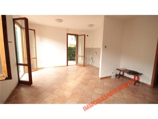 Appartamento in affitto a Greve in Chianti, 3 locali, zona Località: SAN POLO IN CHIANTI, prezzo € 600   CambioCasa.it