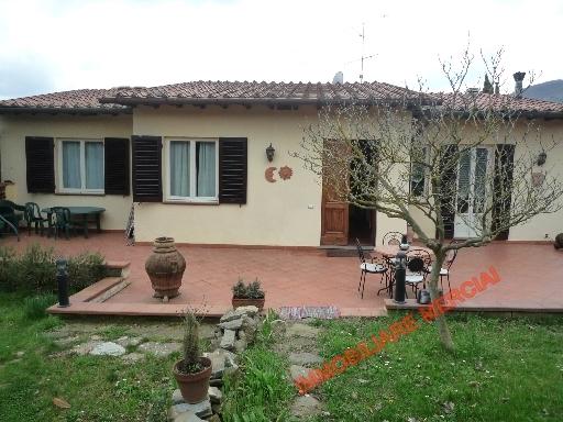 Villa Bifamiliare in Vendita a Rignano sull'Arno