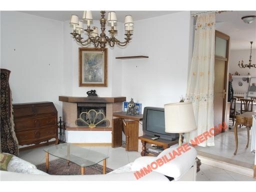 Villa in vendita a Greve in Chianti, 5 locali, zona Località: GREVE IN CHIANTI, prezzo € 260.000 | Cambio Casa.it