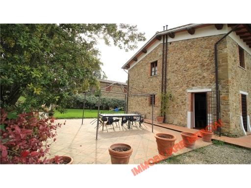 Rustico / Casale in affitto a Greve in Chianti, 5 locali, zona Località: CHIOCCHIO, prezzo € 1.000 | CambioCasa.it