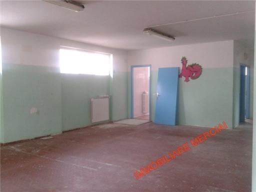 Ufficio / Studio in affitto a Bagno a Ripoli, 4 locali, zona Località: GRASSINA, prezzo € 1.300 | CambioCasa.it