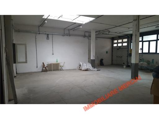 Laboratorio in affitto a Bagno a Ripoli, 3 locali, zona Località: ANTELLA, prezzo € 1.800 | CambioCasa.it
