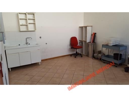 Laboratorio in vendita a Bagno a Ripoli, 2 locali, zona Località: GRASSINA, prezzo € 70.000 | CambioCasa.it