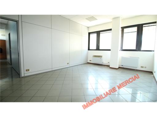 Ufficio / Studio in affitto a Bagno a Ripoli, 3 locali, zona Località: ANTELLA, prezzo € 1.000 | CambioCasa.it