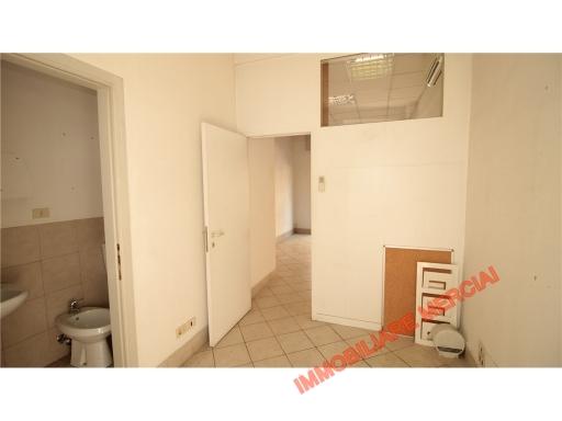 Immobile Commerciale in affitto a Bagno a Ripoli, 1 locali, zona Località: GRASSINA, prezzo € 650 | CambioCasa.it