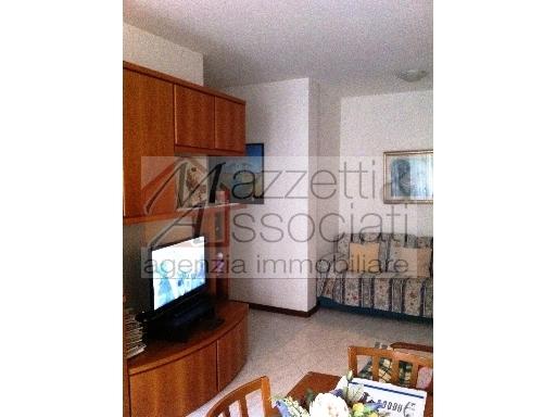 Appartamento in vendita a Agliana, 3 locali, zona Località: AGLIANA, prezzo € 135.000 | Cambio Casa.it