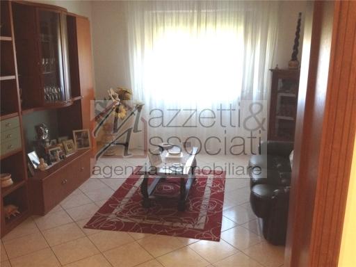 Appartamento in vendita a Quarrata, 5 locali, zona Località: QUARRATA, prezzo € 170.000 | Cambio Casa.it