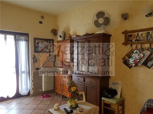 Appartamento in vendita a Agliana, 4 locali, zona Località: SAN NICCOLO', prezzo € 170.000 | Cambio Casa.it