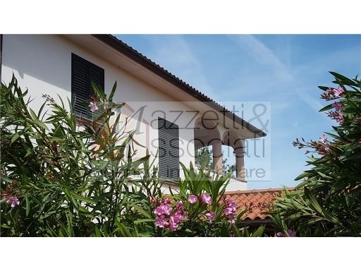 Villa in vendita a San Vincenzo, 8 locali, zona Località: SAN VINCENZO, Trattative riservate | Cambio Casa.it