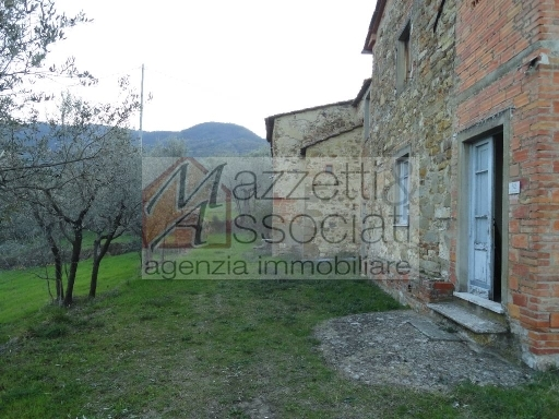 Rustico / Casale in vendita a Quarrata, 14 locali, zona Località: BURIANO, prezzo € 600.000 | CambioCasa.it
