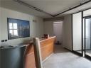 agliana in posizione di intenso passaggio,  fondo commerciale di 95 mq, ideale anche ad uso ufficio,  in piccola palazzina - classe energetica in elaborazione
