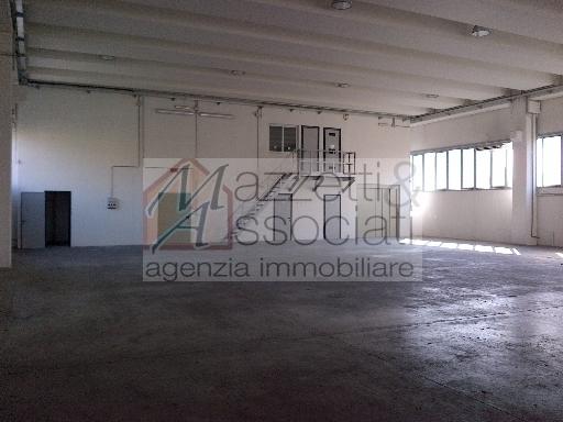 Laboratorio in vendita a Agliana, 4 locali, zona Località: AGLIANA, Trattative riservate | Cambiocasa.it