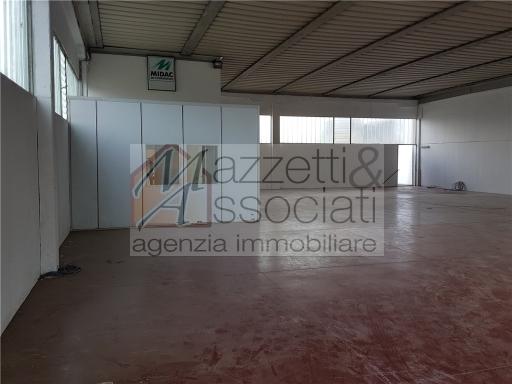 Laboratorio in affitto a Agliana, 2 locali, zona Località: FERRUCCIA, prezzo € 1.500 | Cambio Casa.it