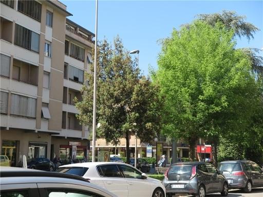 Magazzino in affitto a Scandicci, 2 locali, zona Località: CENTRO, prezzo € 1.500 | CambioCasa.it